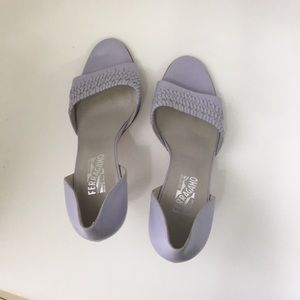 Salvatore Fertagamo sandal sz 41 light purple